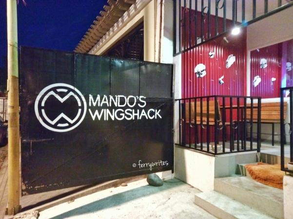 Mando's_wing_shack_ferrywrites